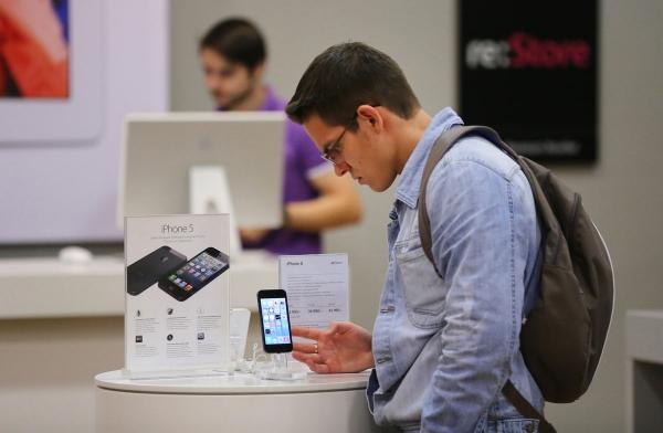 Продажи смартфонов в России показали феноменальный рост