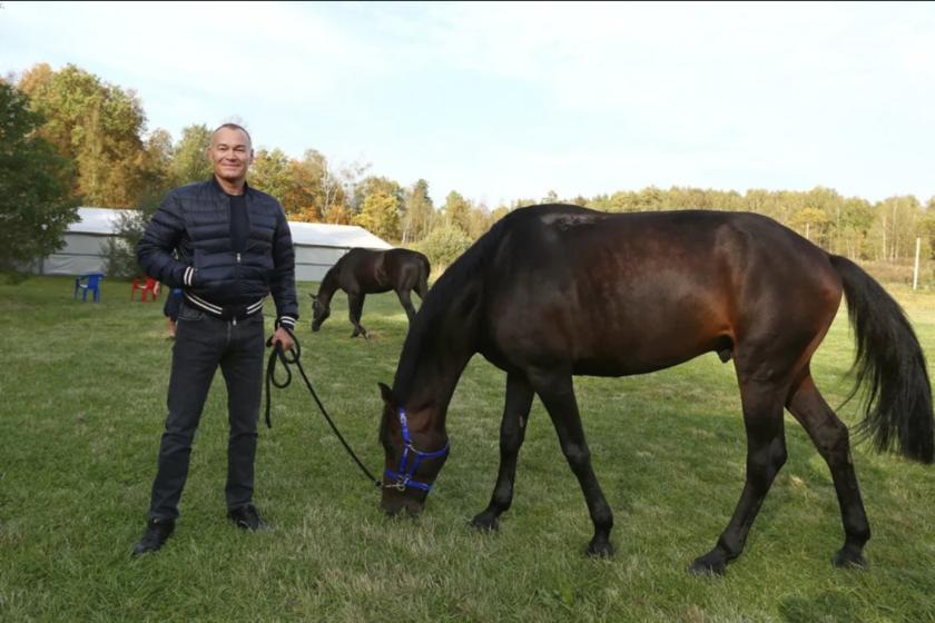 Александр Пономаренко занимается дистанционными конными пробегами